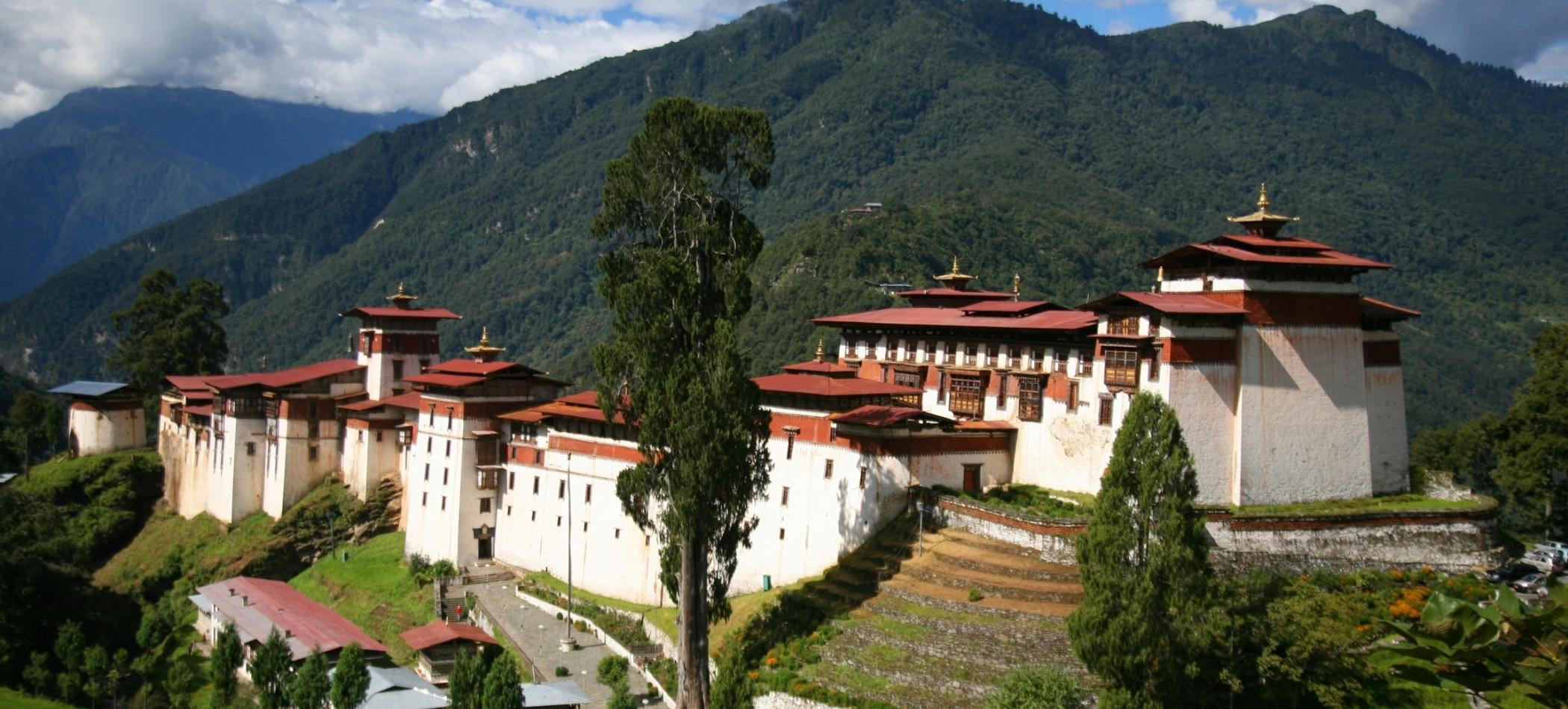 bhutan_tourism_travel_trekking_day_hike_festivals