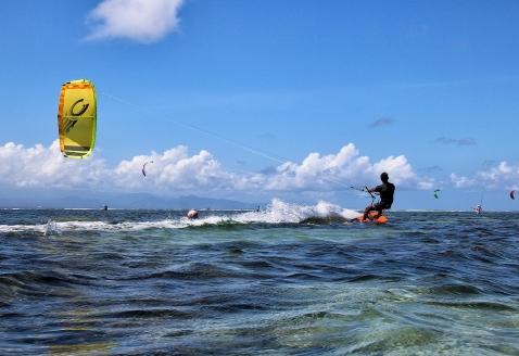 kite-surfing-1778293_1280